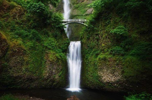 Multnomah Falls, Columbia River, Oregon, United States